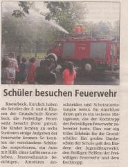 Schueler besuchen Feuerwehr